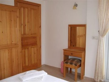 7e--sellers-pic-double-bedroom_resize