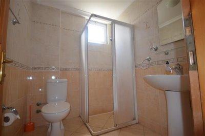 8--bathroom_resize