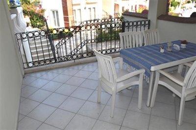 7--kitchen-balcony
