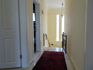 11a--upper-hallway_resize