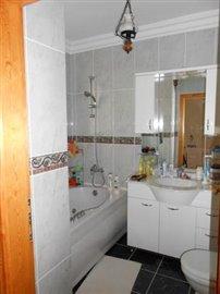 21--bathroom-jacuzzi_resize