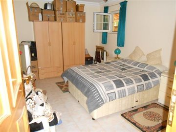 24--basement-bedroom-1_resize
