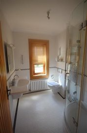 64--poss-ensuite-to-bedroom-one_resize