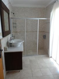 74--ENSUITE-BATHROOM_resize