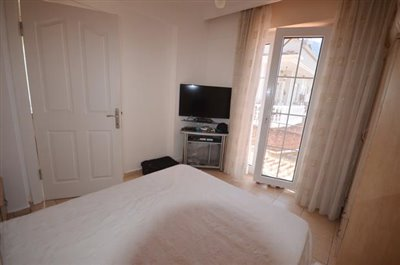 9a--bedroom-one_resize