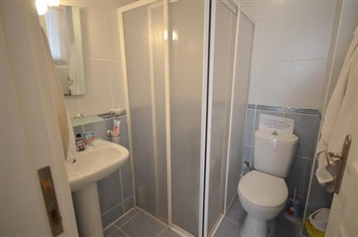10--bathroom-one_resize