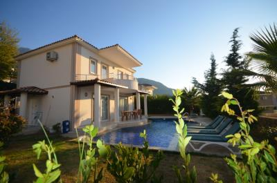 4--EXAMPLE-OF-POOL-ADDED-villa-2_resize