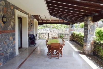 7--large-terrace