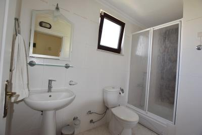 6--ground-floor-bathroom