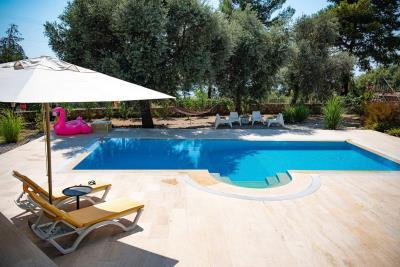 13--private-pool
