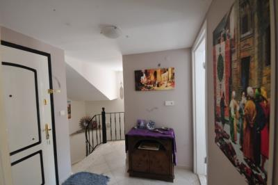 5a--entrance-hallway_resize