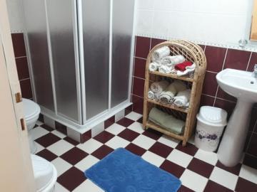 12--bathroom-two_resize