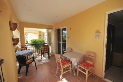 14A--lower-terrace-accessed-both-bedrooms_resize