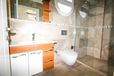 6a--ensuite-bathroom-
