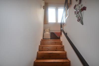 8--wooden-stairs_resize
