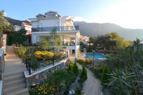 Image No.2-Maison / Villa de 5 chambres à vendre à Ovacik