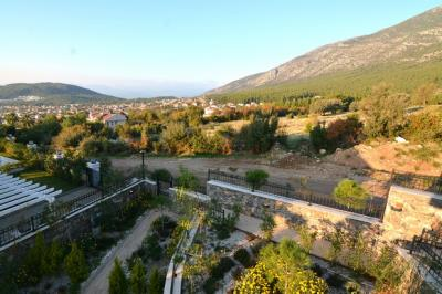 12--balcony-view-to-right-side-which-wont-be-built-on-as-its-Tarla-land_resize