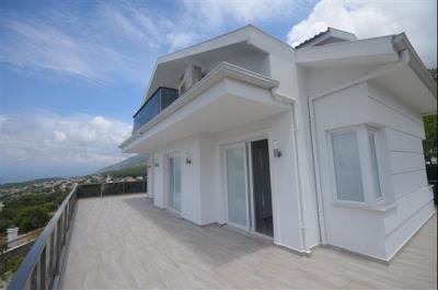 26--second-floor-bedroom-terrace_resize