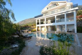 Image No.0-Maison / Villa de 5 chambres à vendre à Ovacik