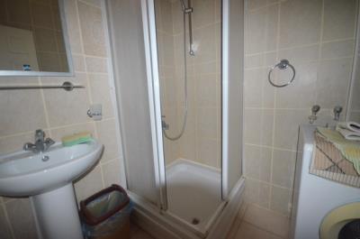 8--lower-shower-room-no-toilet_resize