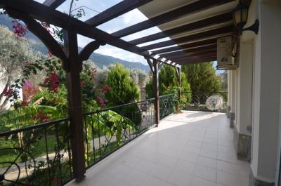 8--dining-balcony_resize