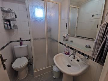 5--bathroom