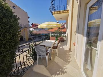 7a--balcony-terrace