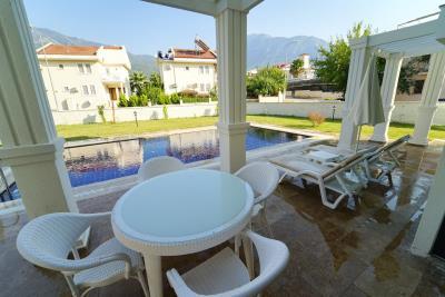 8--poolside-terrace-off-lounge