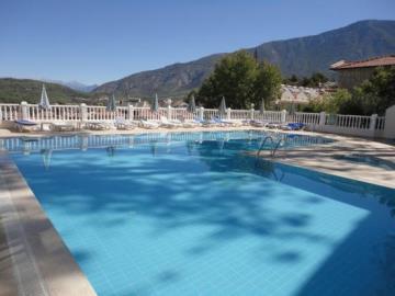 2--pool-wth-mountain-views