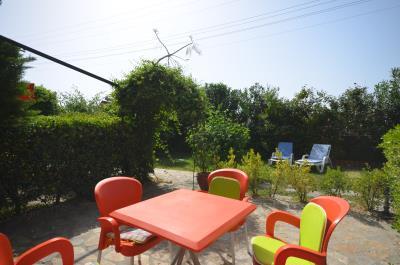 2a--patio-area