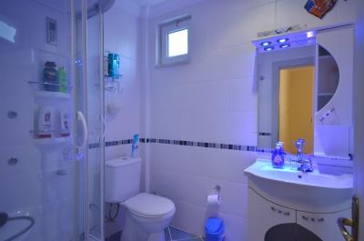 9--bathroom