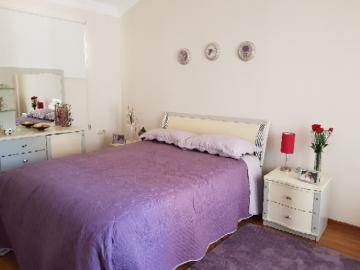 10--master-bedroom