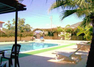 3--pool-area