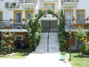 7--entrance-steps