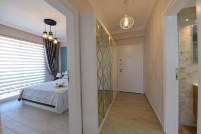 7--hallway