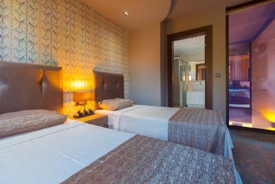 14--bedroom-three