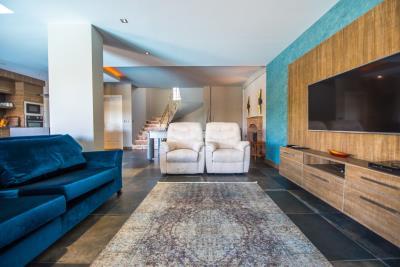 6--lounge
