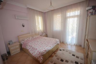 6--bedroom-one-furnished-with-balcony-off_resize