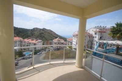 7--lounge-balcony_resize