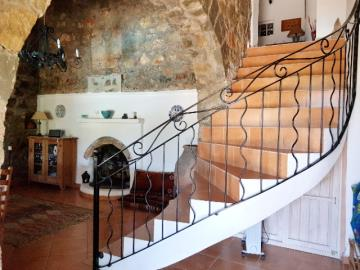 10--entrance-hallway-and-stairs-jpgjpg