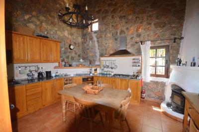 12c--kitchen-