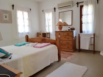28d--bedroom-three-jpgjpg
