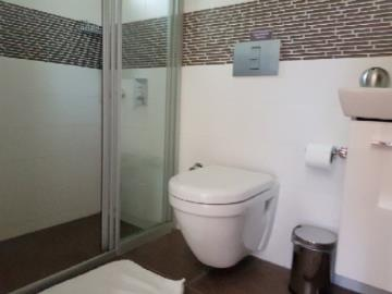 29--bathroom-for-bed-3-and-4-jpgjpg