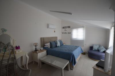 6--master-bedroom