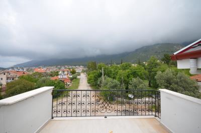 8--roof-terrace-balcony