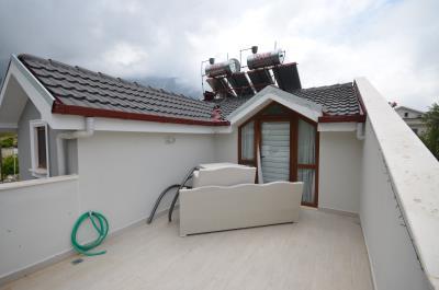 8a--roof-balcony