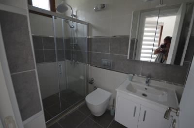 14--family-bathroom-first-floor