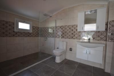 7--ensuite-bathroom-jpgjpg_resize