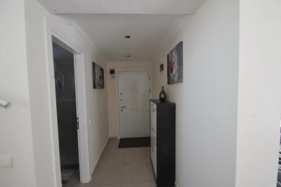 5--entrance-hallway_resize