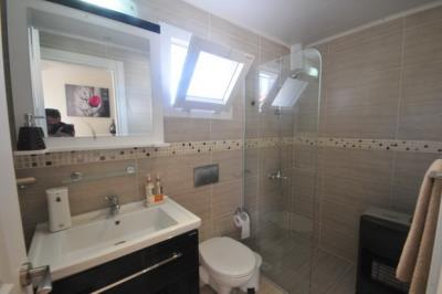 6--downstairs-shower-room_resize